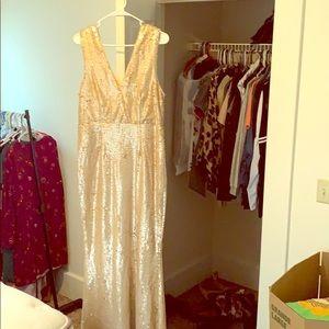 *NEW!* Lulu's V-Cut Gold Glitter Dress, size XL
